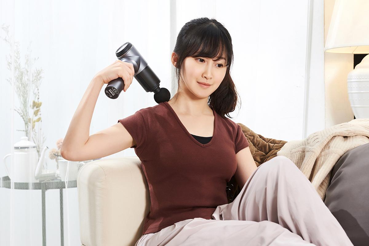 網購最夯「筋膜按摩槍」怎麼選?奧運國手御用物理治療師幫你實測挑好槍